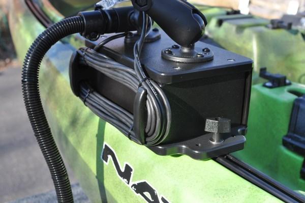 What 39 s a good depth finder for a kayak for Kayak fish finder mount