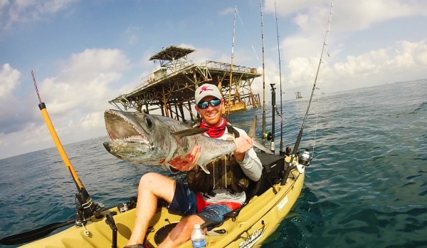 Kayak fishing offshore oil rigs for kingfish