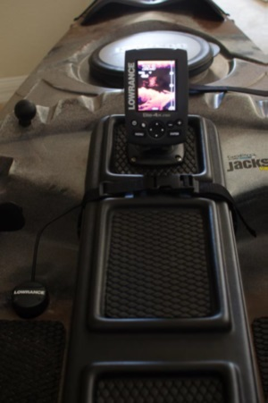Lowrance Fishfinder mounted to jackson cuda front