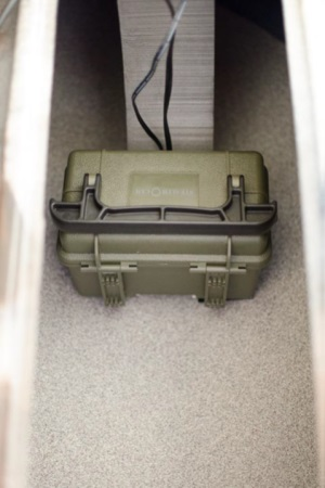 Lowrance battery box in hull jackson cuda