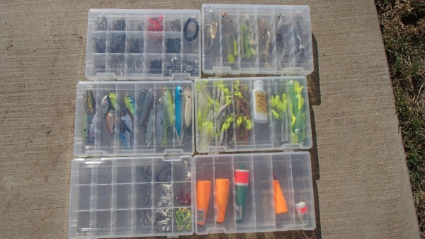 organize tackle boxes