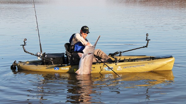 kayak fishing for spoonbill