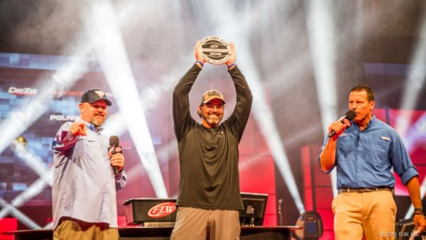 Clint Henderson Wins Big At Inaugural Dee Zee FLW/KBF Cup 2019